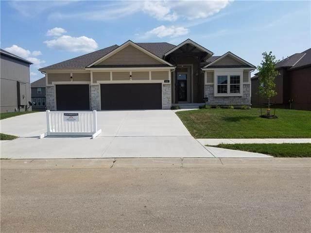 8130 NW 90th Terrace, Kansas City, MO 64153 (#2209082) :: The Shannon Lyon Group - ReeceNichols