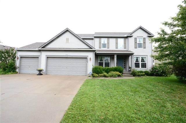 9318 Kenton Street, Lenexa, KS 66227 (#2209127) :: Team Real Estate