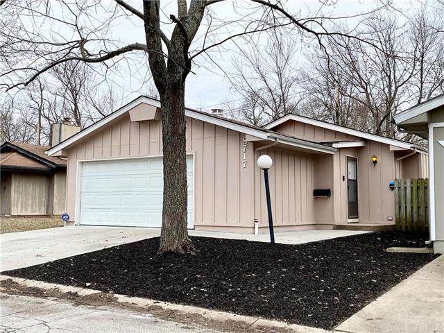 8717 E 109th Terrace, Kansas City, MO 64134 (#2209494) :: Five-Star Homes