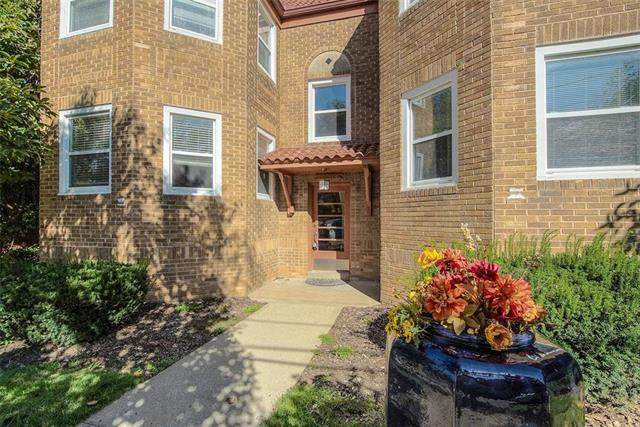 12 E 50TH Unit #2 Street #2W, Kansas City, MO 64112 (#2209500) :: The Shannon Lyon Group - ReeceNichols