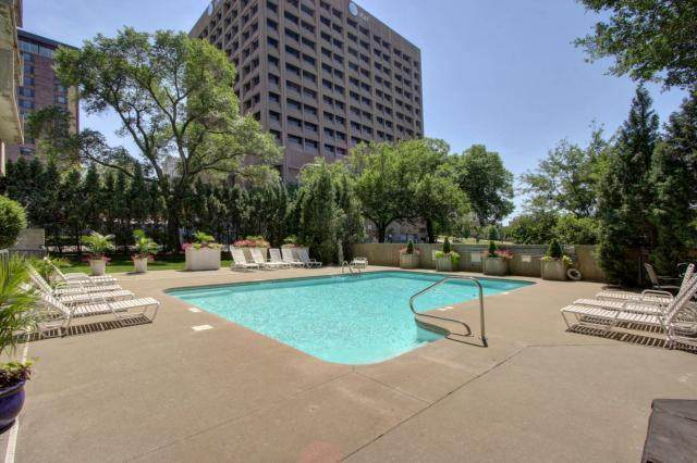 600 Admiral #1808 Boulevard #1808, Kansas City, MO 64106 (#2209634) :: Ron Henderson & Associates