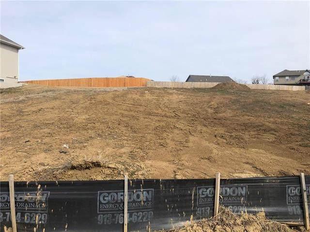 1727 N 92nd Terrace, Kansas City, KS 66112 (#2209803) :: Dani Beyer Real Estate