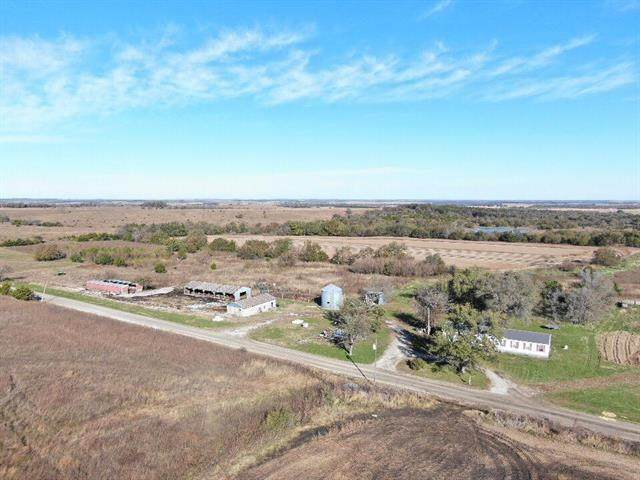 4672 W 700S Road, Blue Mound, KS 66010 (#2210061) :: Dani Beyer Real Estate