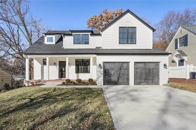 2111 W 72nd Street, Prairie Village, KS 66208 (#2210076) :: House of Couse Group
