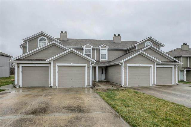 5615 NW Moonlight Meadow Court, Lee's Summit, MO 64064 (#2210200) :: Team Real Estate