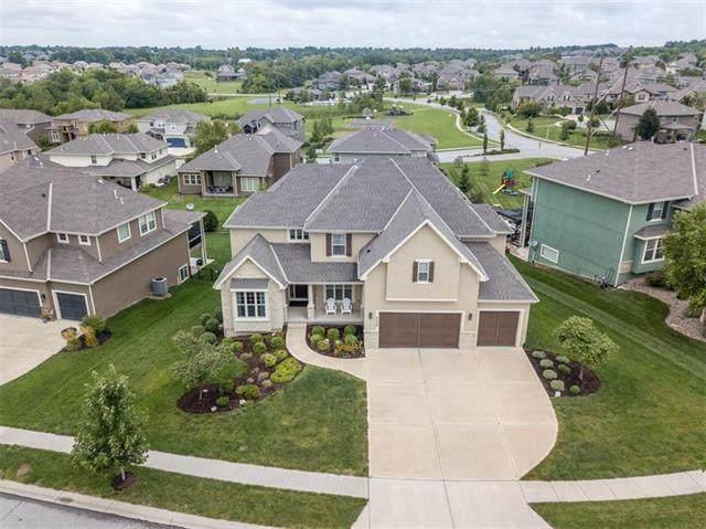 9508 W 164th Place, Overland Park, KS 66085 (#2210403) :: The Shannon Lyon Group - ReeceNichols
