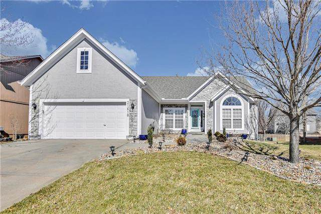 21618 W 62nd Street, Shawnee, KS 66218 (#2210477) :: Team Real Estate