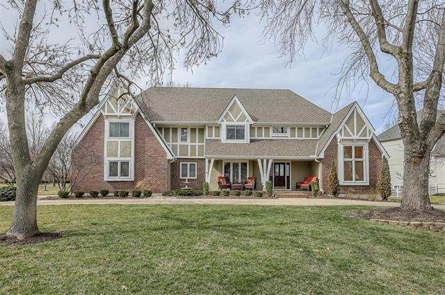 12504 Sagamore Road, Leawood, KS 66209 (#2210545) :: Audra Heller and Associates