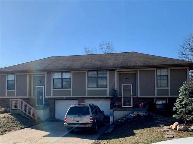 7301 NW 82nd & 7303 Street, Kansas City, MO 64152 (#2210568) :: The Shannon Lyon Group - ReeceNichols