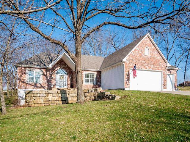401 Canyon Drive, Pleasant Hill, MO 64080 (#2210617) :: Five-Star Homes