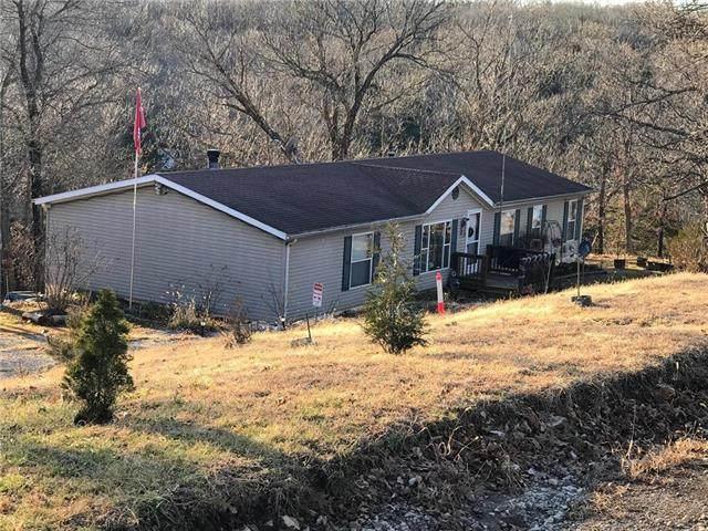 34 Whispering Oaks Drive, Mound City, KS 66056 (#2210835) :: Audra Heller and Associates