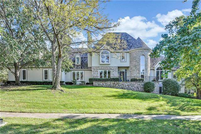 3045 W 118th Terrace, Leawood, KS 66211 (#2211251) :: The Shannon Lyon Group - ReeceNichols