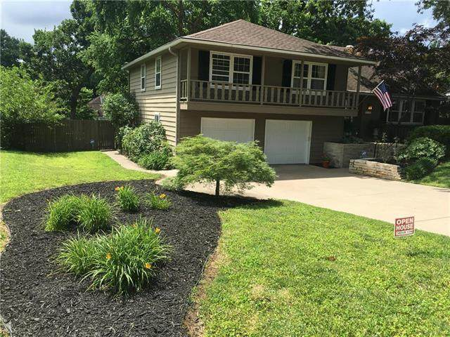 4904 Mohawk Drive, Roeland Park, KS 66205 (#2211398) :: House of Couse Group