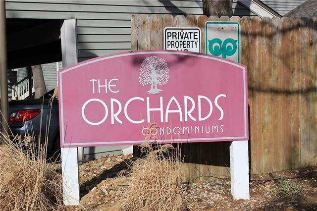 8851 W 106th Terrace, Overland Park, KS 66212 (#2211528) :: Team Real Estate