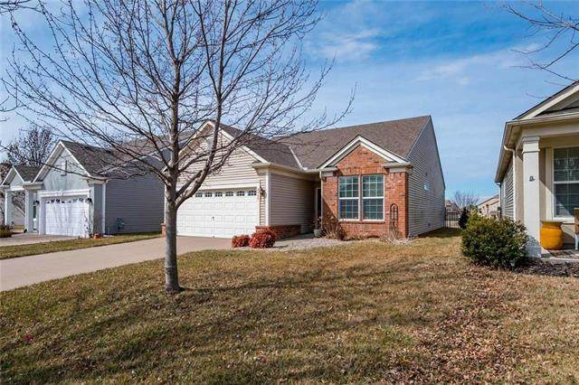 8948 Meadow View Drive, Lenexa, KS 66227 (#2211572) :: The Shannon Lyon Group - ReeceNichols