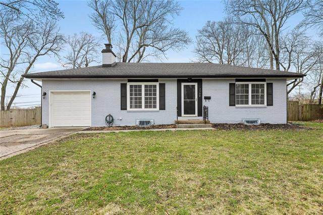 7708 W 63 Terrace, Overland Park, KS 66202 (#2211678) :: Team Real Estate