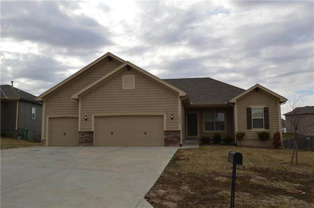 16915 Meadow Creek Circle - Photo 1
