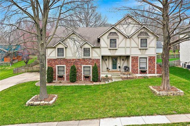 12005 Aberdeen Street, Leawood, KS 66209 (#2212284) :: Audra Heller and Associates