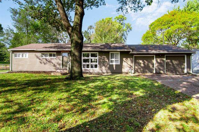 11416 Sycamore Terrace, Kansas City, MO 64134 (#2212340) :: Team Real Estate