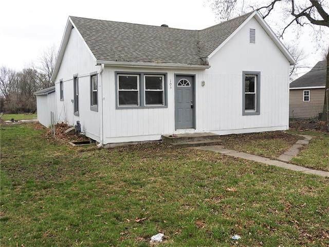 103 E Wilson Street, Corder, MO 64021 (#2212433) :: Eric Craig Real Estate Team