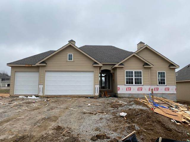 7455 NW Douglas Court, Parkville, MO 64152 (#2212613) :: Team Real Estate