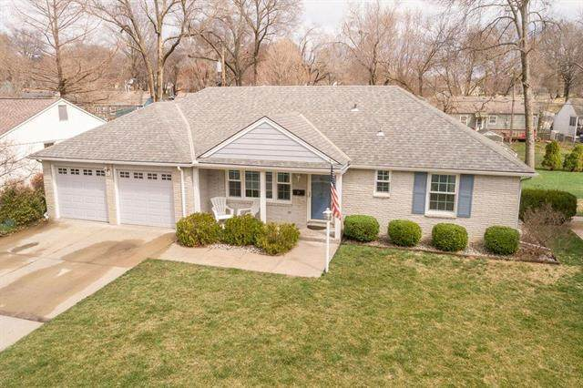 5629 Roeland Drive, Roeland Park, KS 66205 (#2212631) :: House of Couse Group