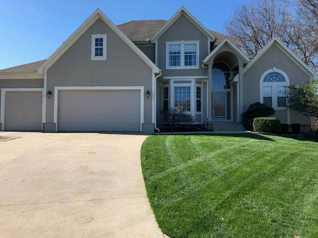 2521 SW Winterbond Circle, Lee's Summit, MO 64081 (#2212800) :: House of Couse Group