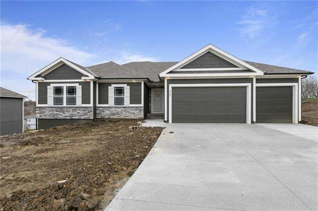 809 SW Mill Creek Court, Grain Valley, MO 64029 (#2212850) :: House of Couse Group