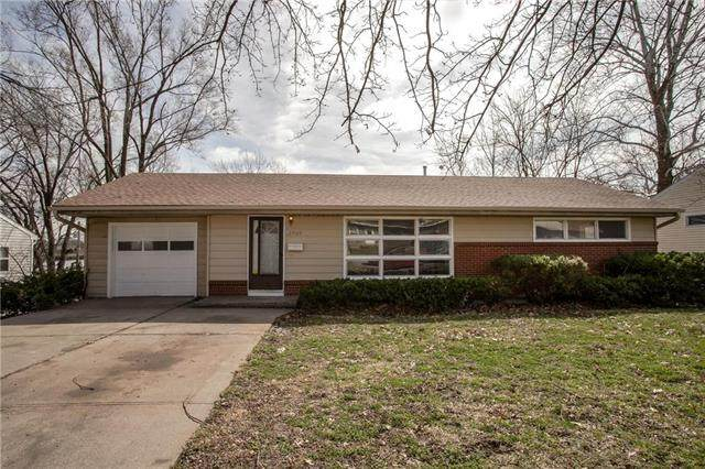 2909 S Hawthorne Avenue, Independence, MO 64052 (#2212879) :: House of Couse Group