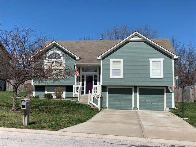 1016 NW Scenic Drive, Grain Valley, MO 64029 (#2212933) :: House of Couse Group