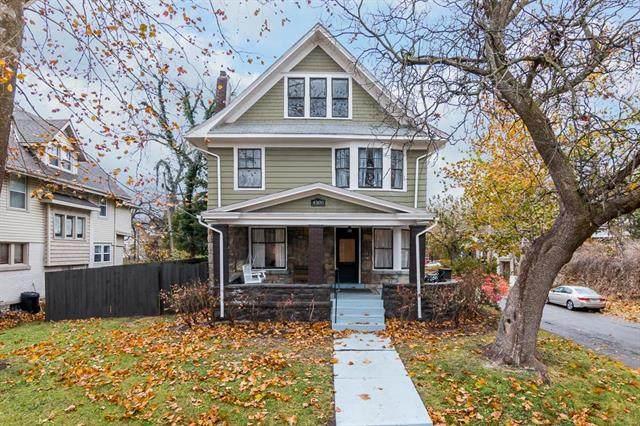4300 Harrison Street, Kansas City, MO 64110 (#2213135) :: House of Couse Group