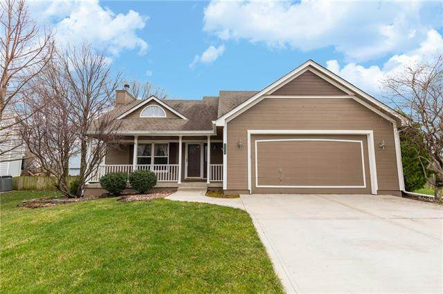 4510 NE Blue Jay Court, Lee's Summit, MO 64064 (#2213159) :: House of Couse Group