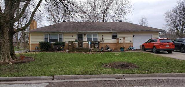 517 S 4th Street, Odessa, MO 64076 (#2213308) :: Edie Waters Network