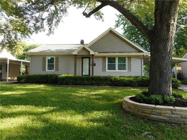 10417 E 26th Street, Independence, MO 64052 (#2213341) :: Team Real Estate