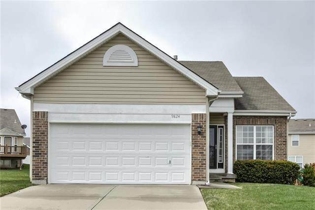 9824 N Crescent Court, Kansas City, MO 64157 (#2213407) :: Team Real Estate