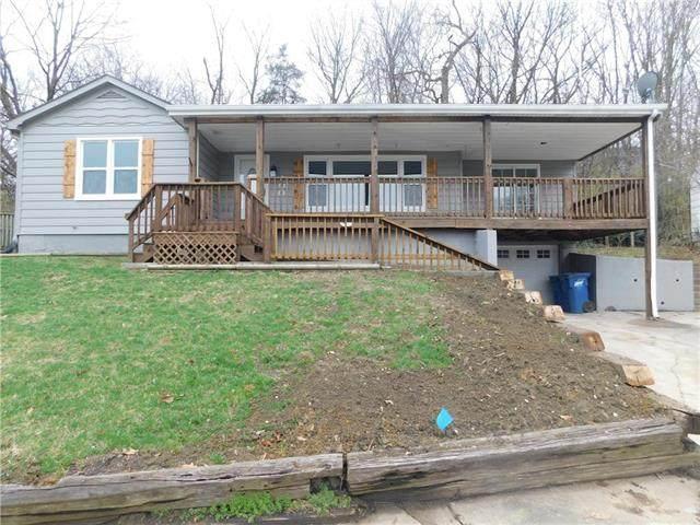 400 Dunbar Avenue, Excelsior Springs, MO 64024 (#2213426) :: The Gunselman Team
