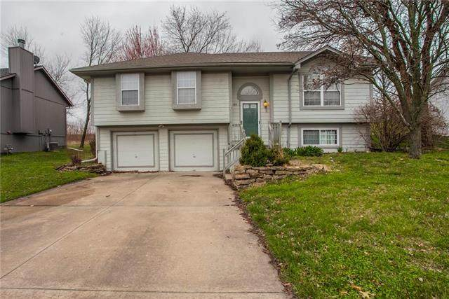100 N Darrowby Drive, Raymore, MO 64083 (#2213541) :: Beginnings KC Team