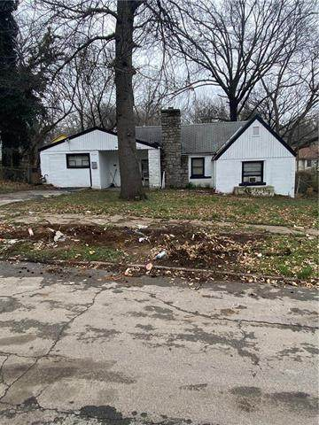 7323 Brooklyn Avenue, Kansas City, MO 64132 (#2213652) :: Team Real Estate