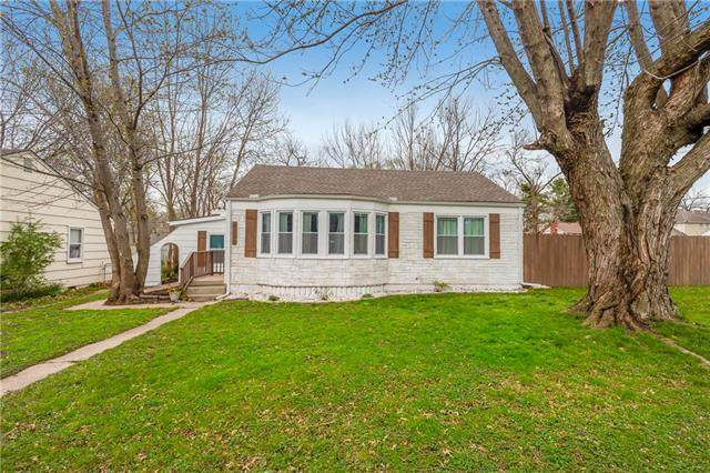 6343 Santa Fe Drive, Overland Park, KS 66202 (#2213746) :: Team Real Estate