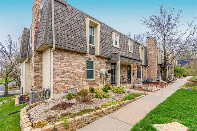 27 W Bannister Road, Kansas City, MO 64114 (#2213902) :: Edie Waters Network