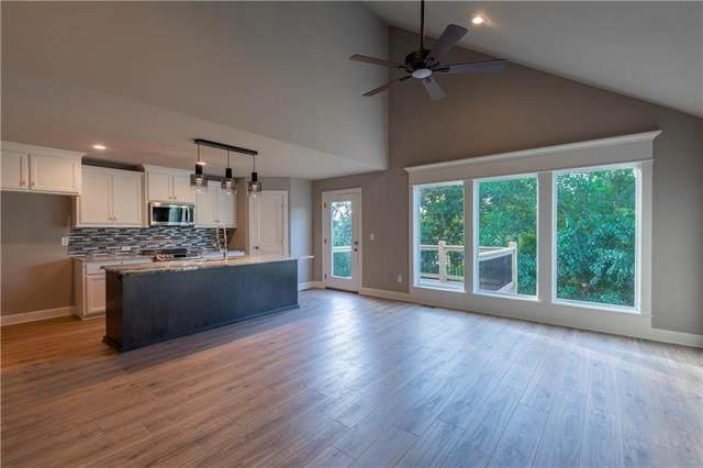 12359 S Prairie Creek Road, Olathe, KS 66061 (#2213910) :: Audra Heller and Associates