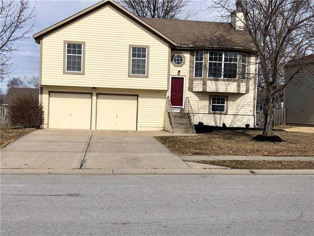122 NW 112th Terrace, Kansas City, MO 64155 (#2213953) :: Dani Beyer Real Estate