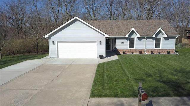 7626 N Bales Avenue, Kansas City, MO 64119 (#2213959) :: Dani Beyer Real Estate