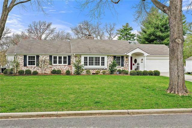 8800 Fairway Street, Leawood, KS 66206 (#2214017) :: House of Couse Group