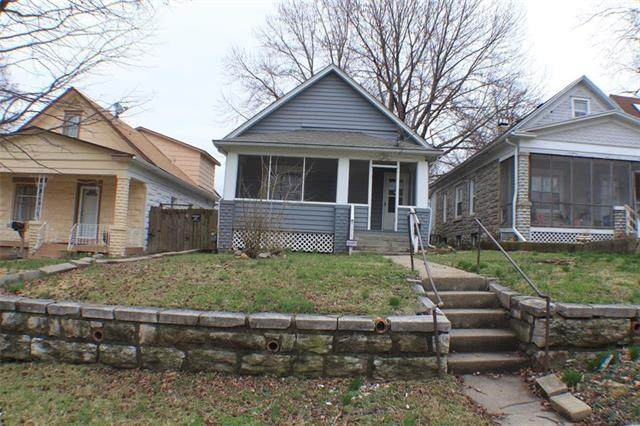317 N Clinton Place, Kansas City, MO 64123 (#2214063) :: Kedish Realty Group at Keller Williams Realty