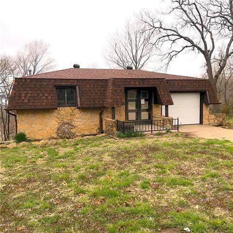 7297 N Quail Run Road, Ozawkie, KS 66070 (#2214065) :: Kedish Realty Group at Keller Williams Realty