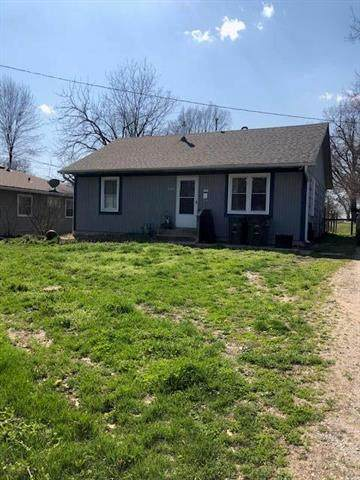 700 West Street, Harrisonville, MO 64701 (#2214127) :: Audra Heller and Associates