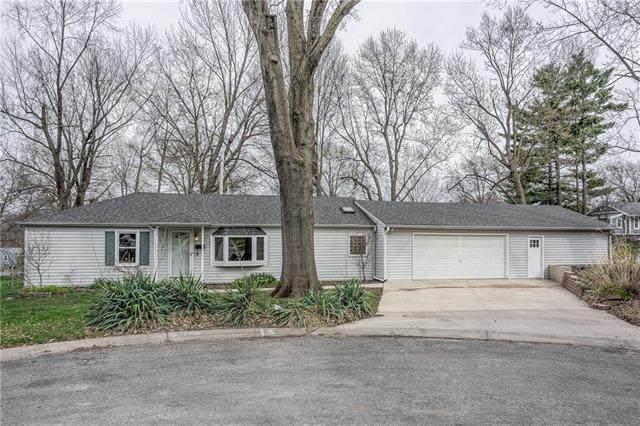 7327 Lamar Avenue, Overland Park, KS 66204 (#2214164) :: Audra Heller and Associates