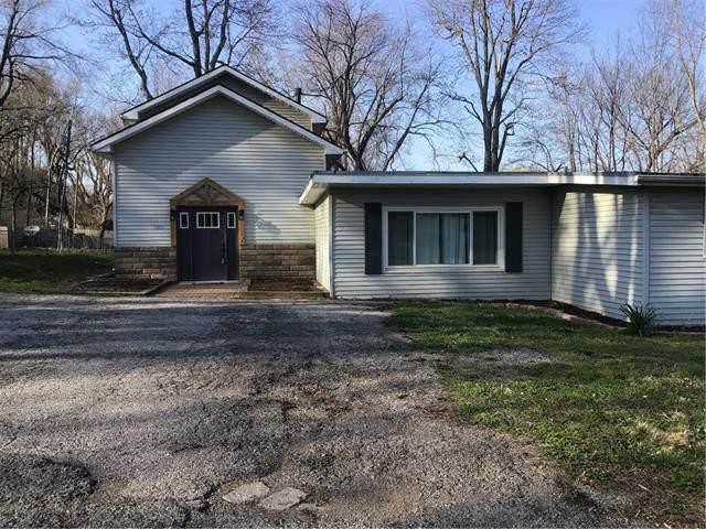 1205 SW South Avenue, Blue Springs, MO 64015 (#2214198) :: Audra Heller and Associates