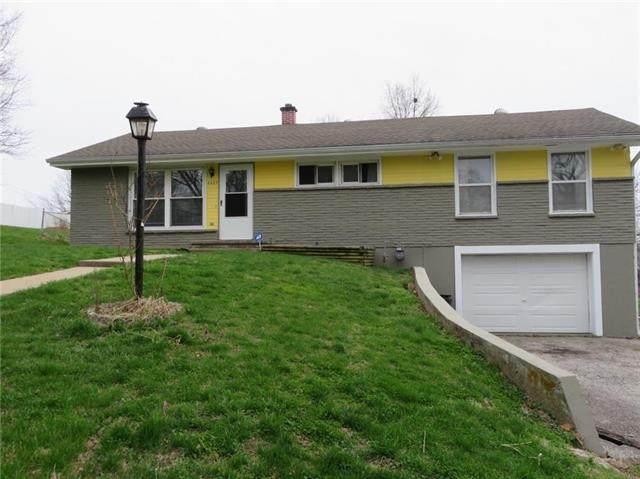 6627 NE 48th Terrace, Kansas City, MO 64119 (#2214275) :: Ask Cathy Marketing Group, LLC